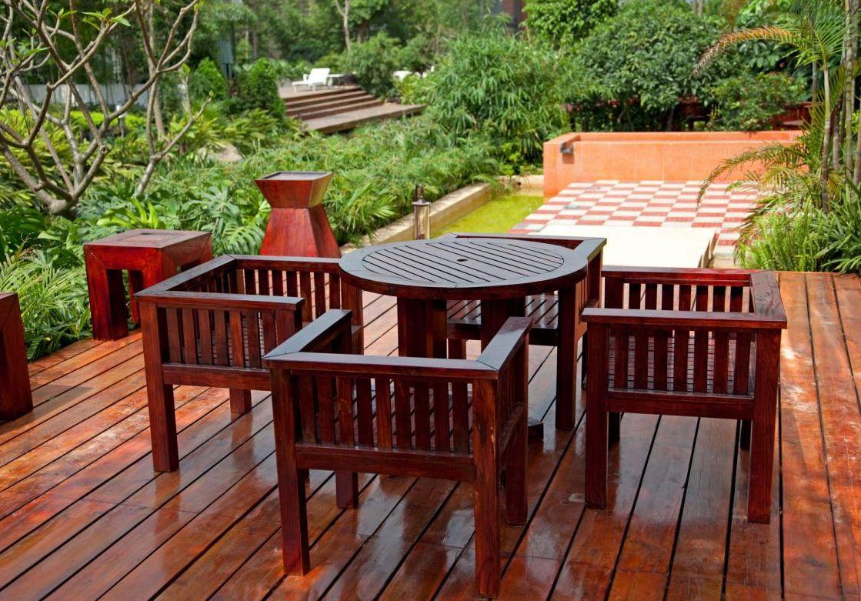 Садовая мебель пропитана маслом PINOTEX TERRACE OIL